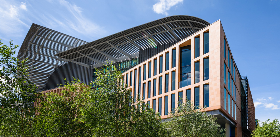Francis Crick Institute benefits from modern curved steel solutions second image