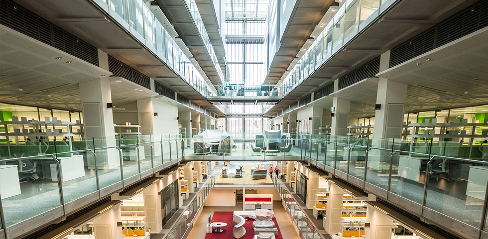 Francis Crick Institute benefits from modern curved steel solutions third image